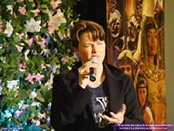 Lucy Lawless and Renee O'Connor - Xena Con Lax 2010